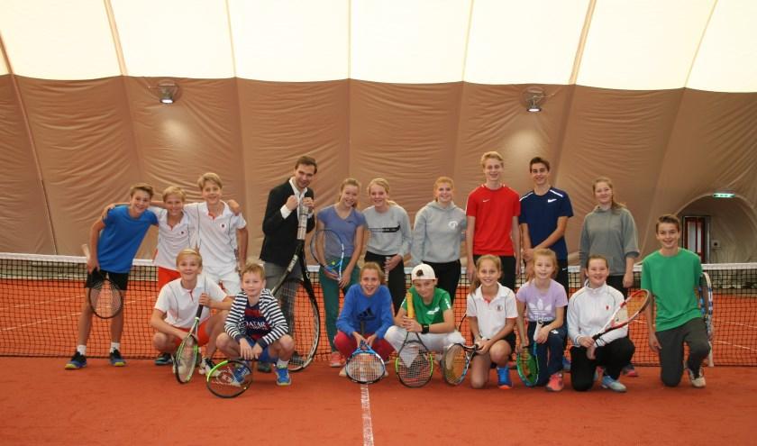 Wethouder Sport, Maarten van Ooijen, heeft de nieuwe blaashal van tennisvereniging ULTC IDUNA geopend.