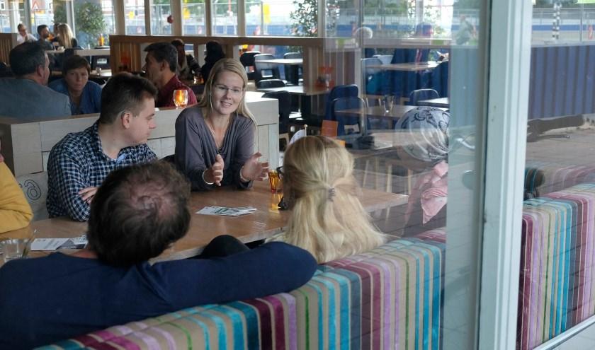 De NVVE Jongeren verzorgeren op maandag 4 november aanstaande Café Doodnormaal.