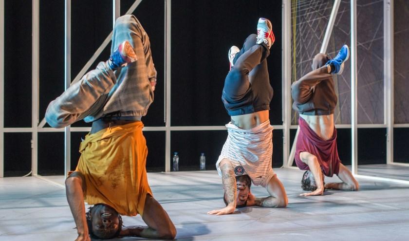 Op vrijdag 1 en zaterdag 2 november is ook de hiphopvoorstelling B-BOY van Maas theater te zien tijdens het Hiphopweekend