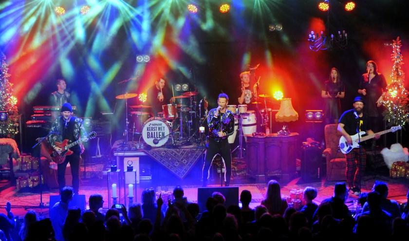 De band ENorm op het podium. Binnenkort zijn ze te zien in Overdinkel.