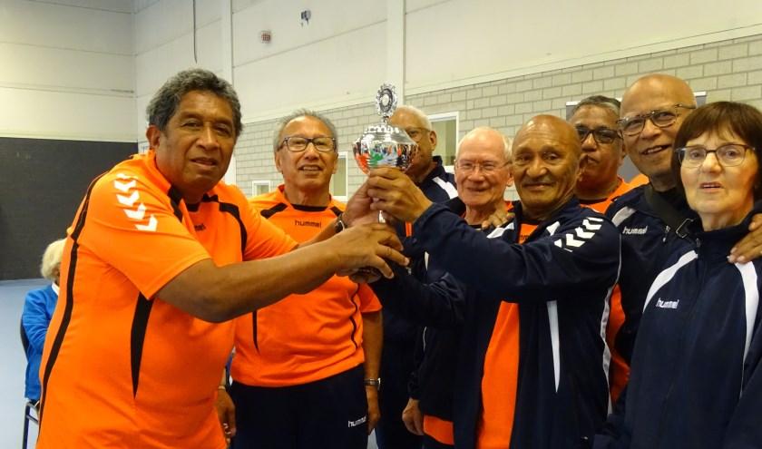 In de finale kwamen de teams Ana Upu 1 en 2 tegen elkaar uit. Het eerste team ging er na een spannende strijd met de winst vandoor. (foto: Sportservice Ede)