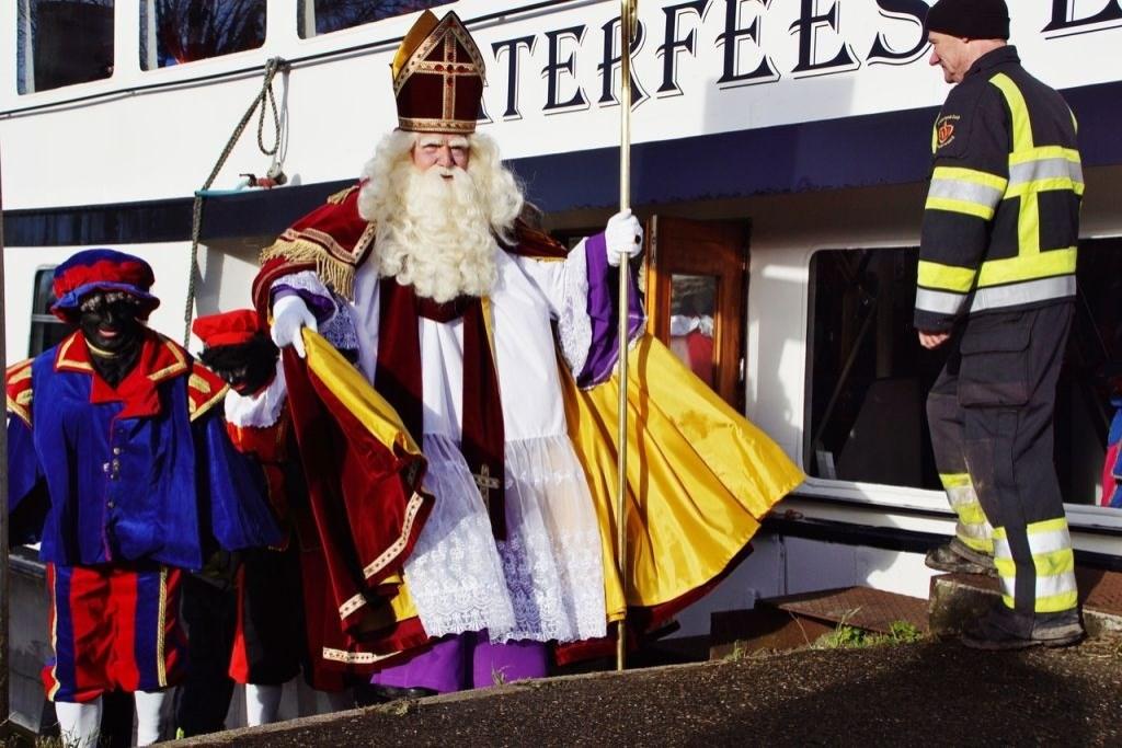 Al 25 jaar stapt Sinterklaas bij Frank van Terwisga aan boord.  © DPG Media