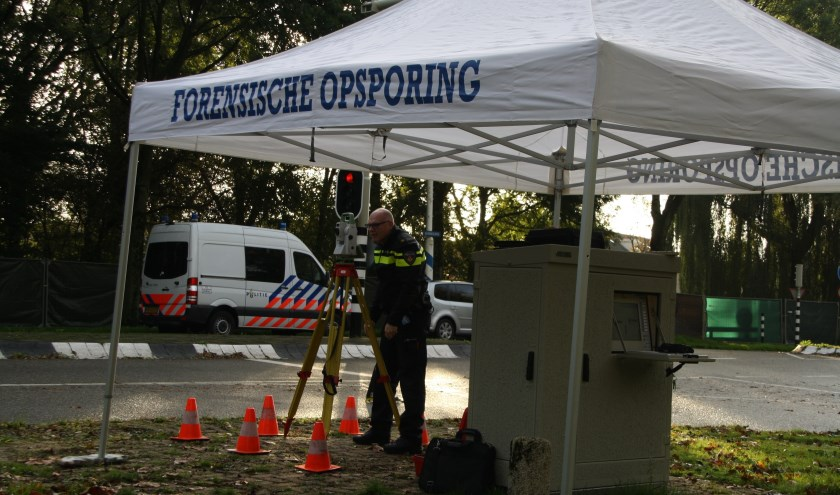Politie reconstrueert een aanrijding in Spijkenisse op kruising Heemraadlaan, Schenkelweg. Foto: AS Media