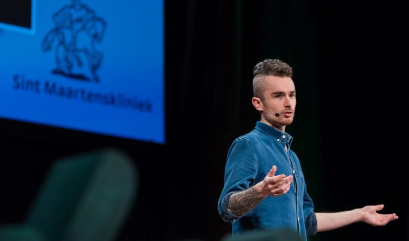 Tommie Niessen werd bekend door zijn blog, boek en de titel Helmonder van het jaar 2018. Foto: Dennis Vloedmans.