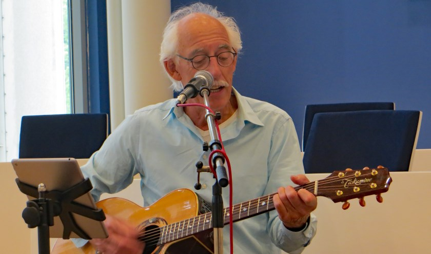 De Veenendaalse gitarist Willem Meijering heeft oude Veense rockers bij elkaar gekregen voor een eenmalig optreden. (Foto: PR)