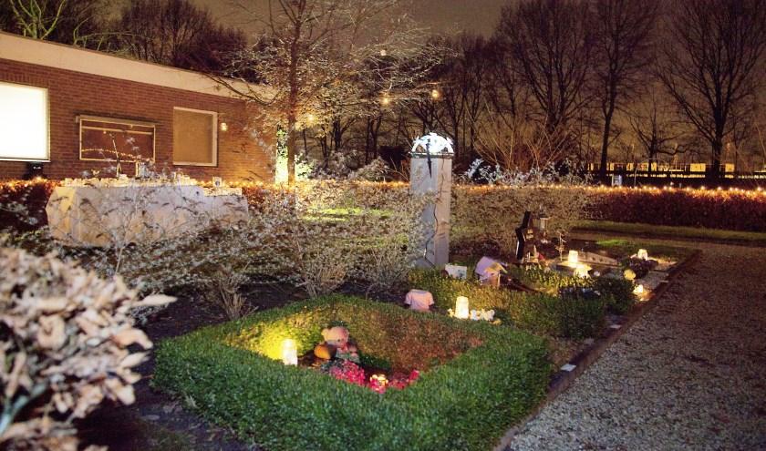 Op 8 december komen in Waspik mensen samen op de Algemene Begraafplaats om stil te staan bij hun overleden kinderen.