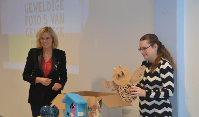 Wethouder I. (Ingeborg) ter Laak en client Susan Purcell
