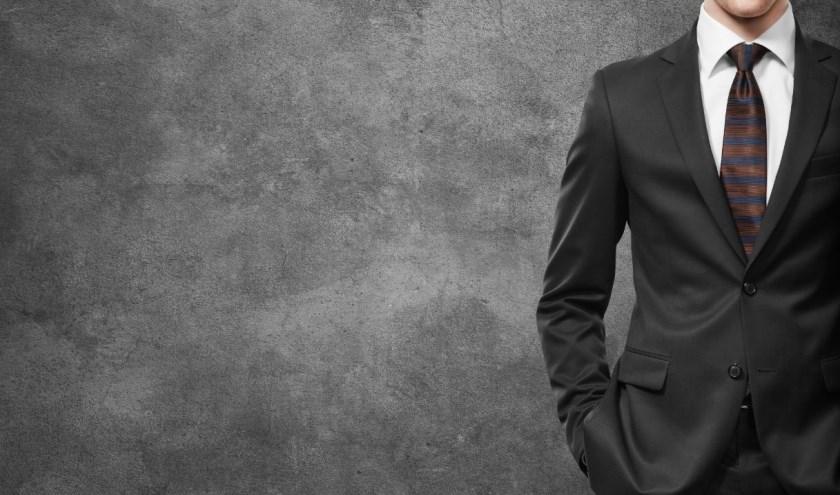 Een ondershirt is een krachtig kledingstuk onder je overhemd en is alles behalve nutteloos.