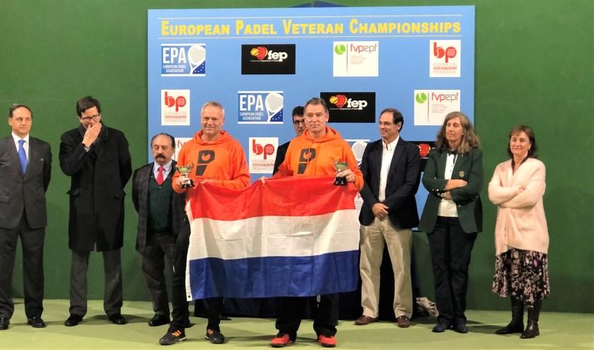 Jack Engelaar en Fred van Ruissen gehuldigd als tweede op EK-padel.