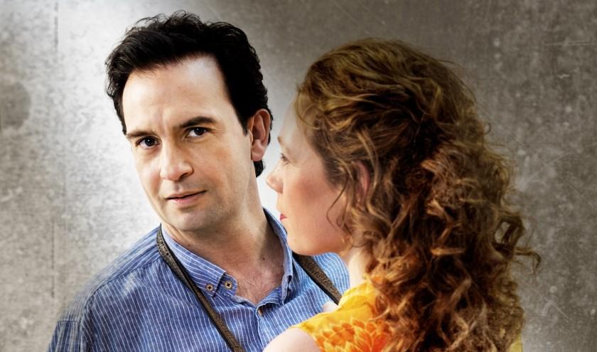 Het tragikomische liefdesverhaal 'De liefde begraven' 13 december in Theater De Hofnar.