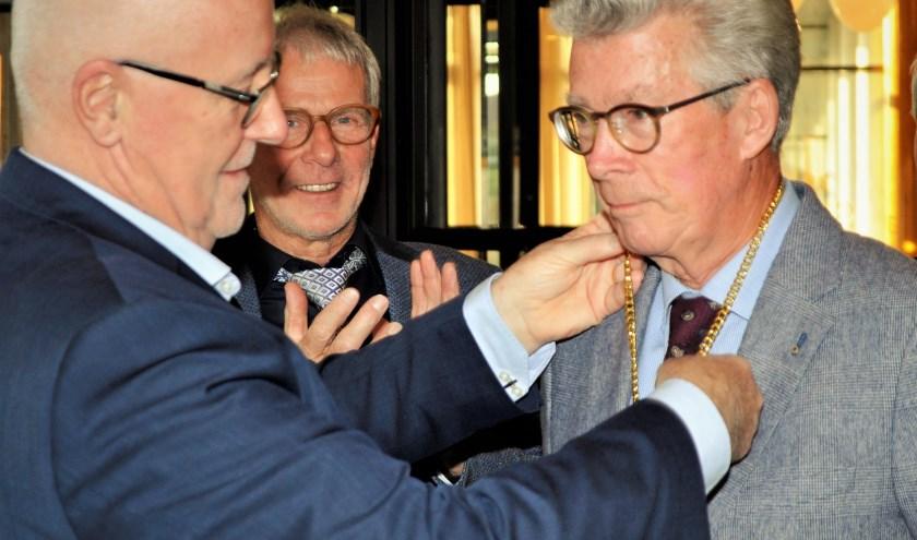 Ferd de Waal wordt geïnstalleerd als President.