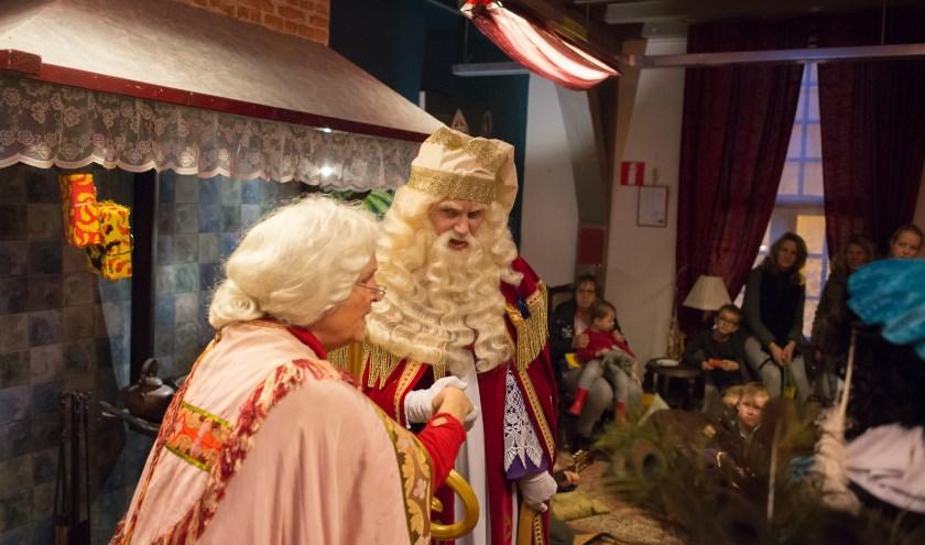 Sinterklaas en zijn zus Nicoloesje