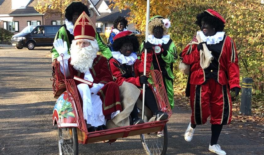 De Sint arriveert in Hulshorst.