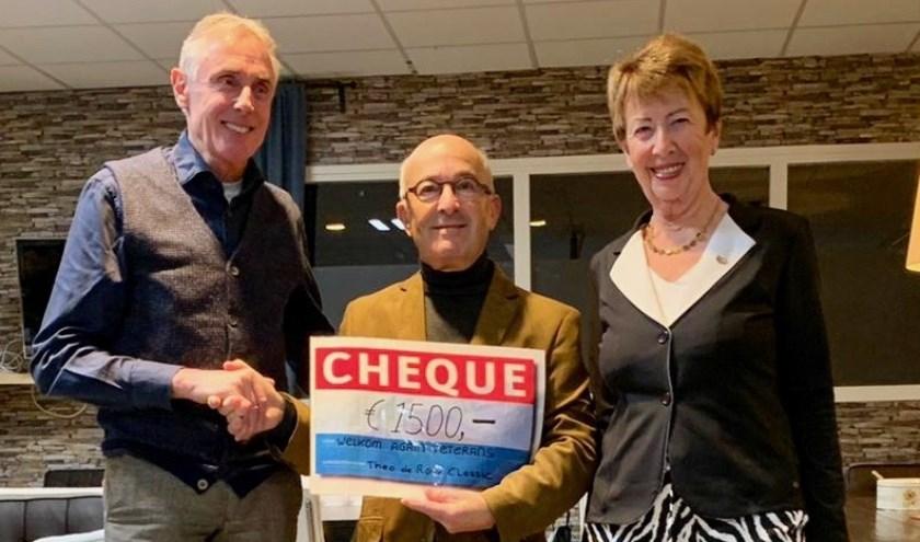 Op de foto v.l.n.r. Theo de Rooij, Harry Lievendag en Marietje Eggink.