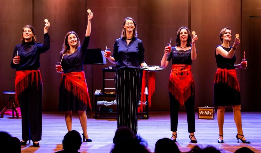 Het ensemble treedt op in binnen- en buitenland en is regelmatig te gast in tv-programma's als DWDD en Podium Witteman.