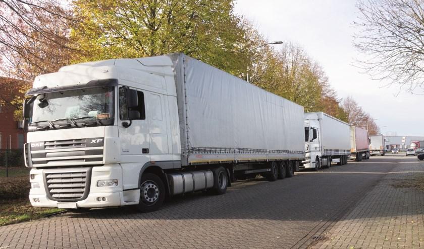 Vrachtwagens bij Finis en Eillert.