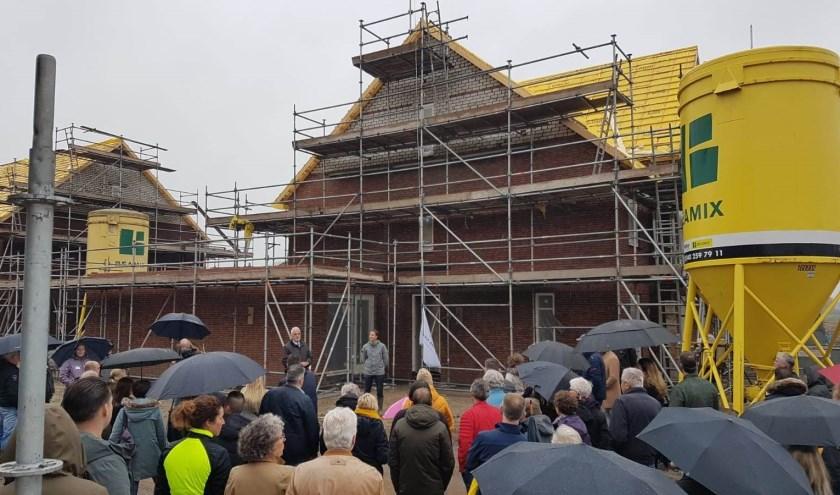 Het hoogste punt is bereikt bij het bouwen van 64 woningen in de wijk Weteringshoek in Rossum.