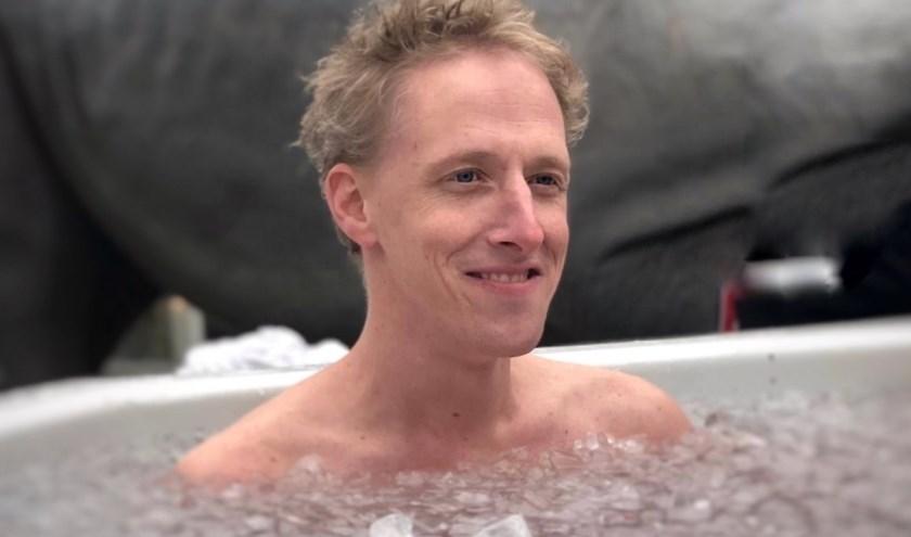 """Wiebe Bakker heeft ervaren dat de Wim Hof Methode -met het ijsbad- werkt. """"Je kunt meer uit je lichaam halen dan je denkt."""" (eigen foto)"""