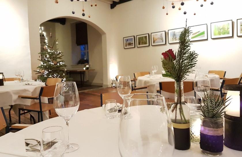 Met kerst wil je gezellig samenzijn onder het genot van een hapje en drankje.