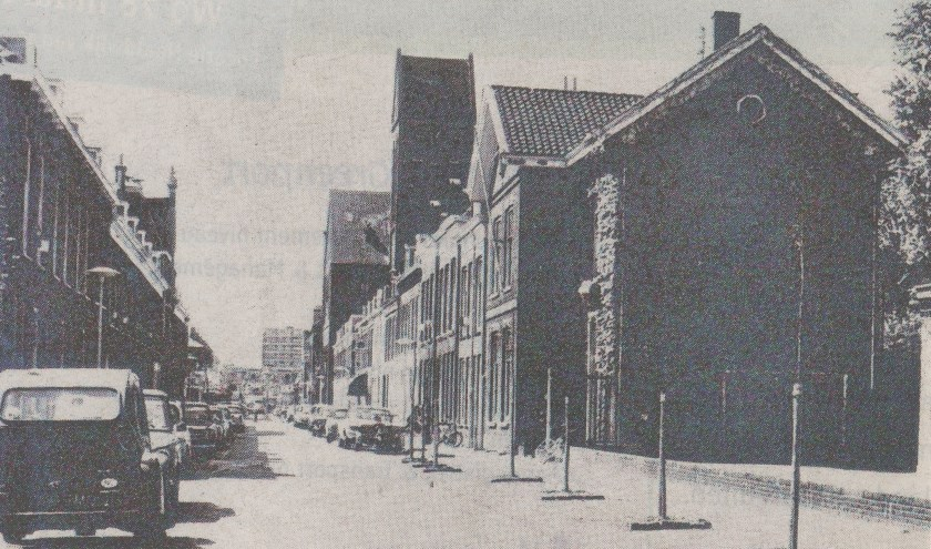 De Raamstraat in vroegere tijden, de drukste straat van het Westerkwartier.