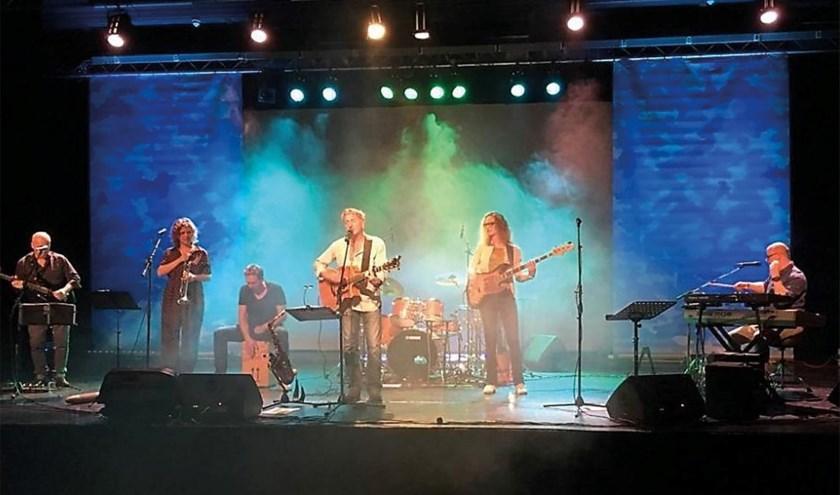 De Jan Ottink Band staat zaterdag 23 november in Muziekcafé De Lantaern met de Laot toch Greuien Toer 2019-2020. (foto: PR)