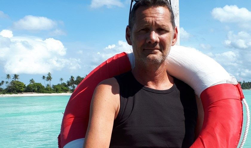 Schrijver Gerard Vermeeren op reis in Zanzibar. Zijn nieuwste boek is vorige week verschenen. (Foto: Désirée Vermeeren)