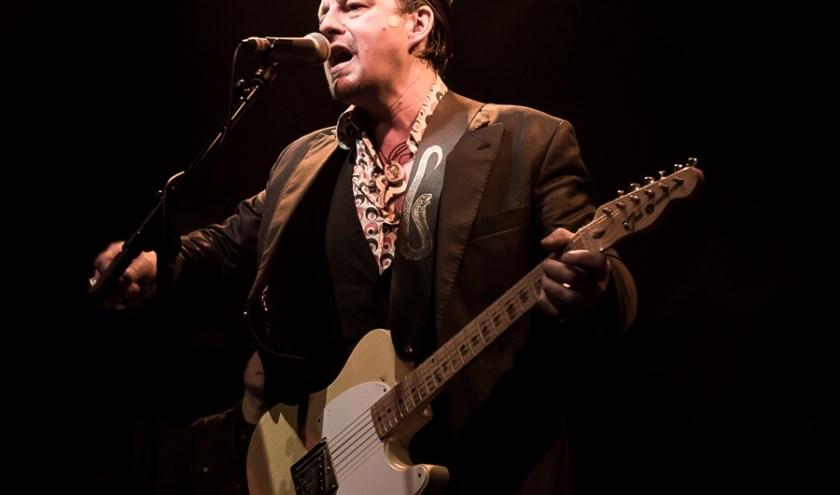 Bluesrocker Ian Siegal terug in de Boerderij