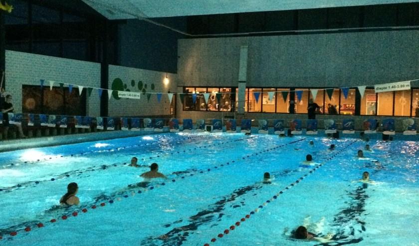 Zwem4daagse in zwembad Die Heygrave in Vlijmen op vrijdag 27, zaterdag 28, zondag 29 en maandag 30 december.