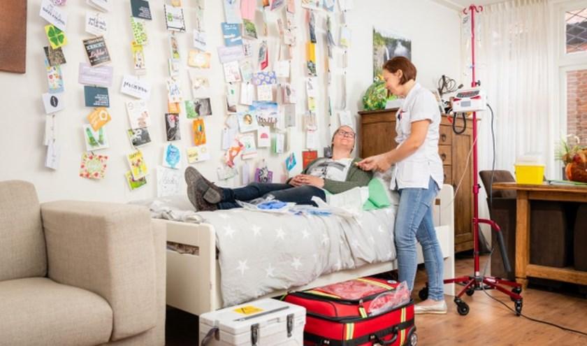 Jenita van der Sluis kreeg immunotherapie thuis (foto: Erik Karst)