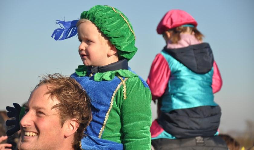 Vele kinderen zullen met hun ouders en grootouders in spanning wachten op de komst van Sinterklaas op jachthaven Scharloo.
