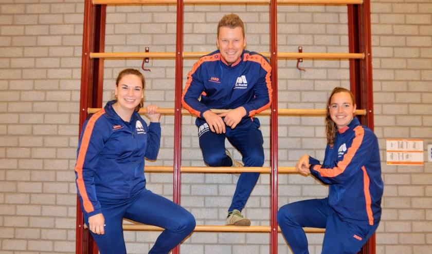 Buurtsportcoaches Mara, Jesse en Marijke kunnen door de uitbreiding hun werkzaamheden om Hattemers aan het bewegen te krijgen uitbreiden.