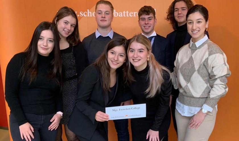Het Mgr. Frencken College uit Oosterhout kwam als één van de winnaars van de voorronde uit de bus
