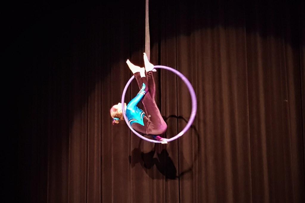 Zonne liet een mooie act zien in de hoepel Foto: Inge Haidar © DPG Media