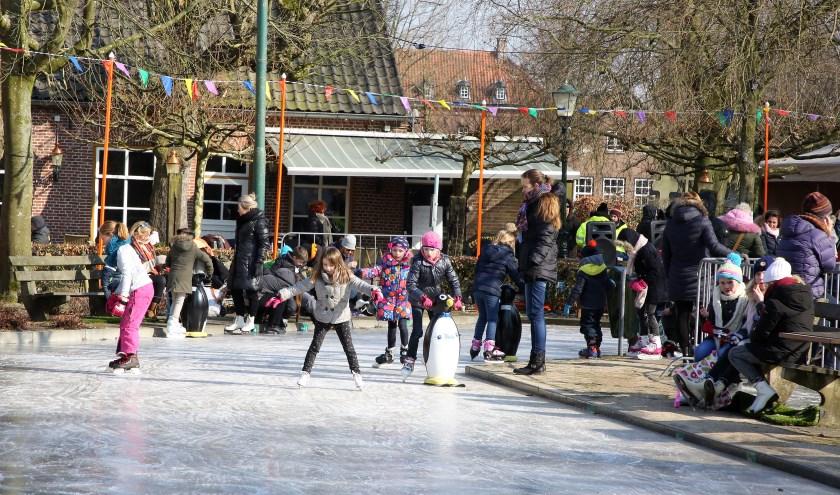 Tijdens de feestdagen wordt Waalre omgetoverd in Woldere Winter Wonderland. Foto: Theo van Sambeek.