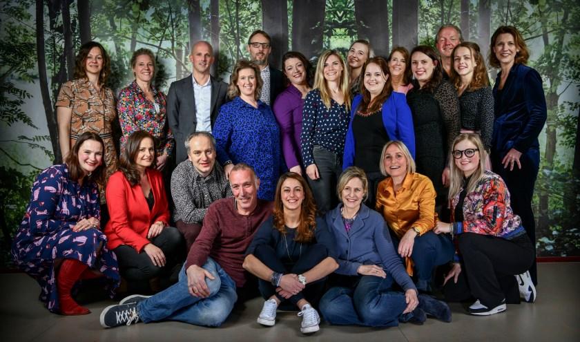 De 20 spelers van A Muse staan op 14, 15 en 16 november op de planken met hun jubileumvoorstelling. Foto: Eric Brinkhorst Fotografie.