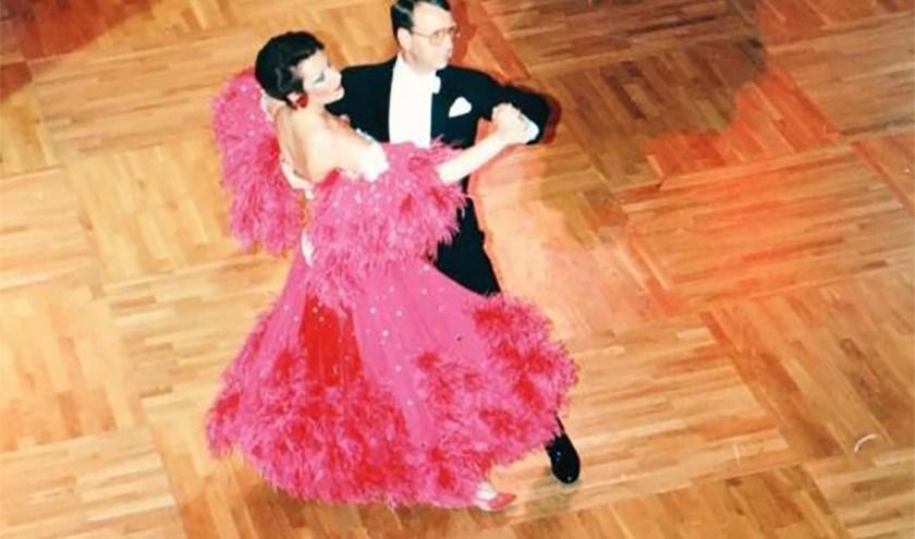 Jacob en Jannie Bolderman in actie in hun dansschool. In december herleven oude tijden weer.