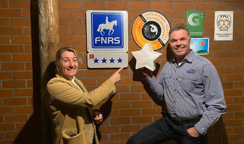 Eigenaren Rikus en Erna Bronsvoort trots op toegekende vijf sterren,