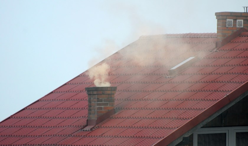 rook uit schoorsteen