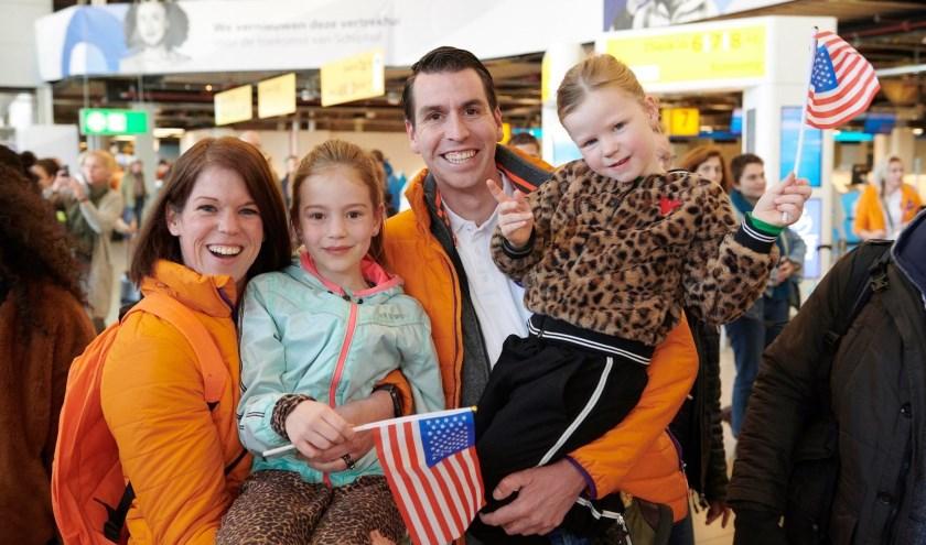 Anouk en Arnoud van den Hoeven en beide dochters Tessa en Ize. Run for KiKa Marathon