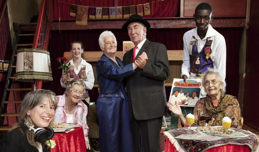 Het Danspaleis is een gezellige middag voor senioren in de sferen van toen.