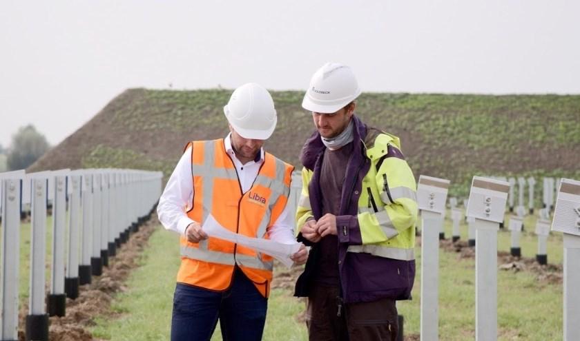 Het gebouwde zonnepark in Zierikzee is bij lange na niet genoeg voor genoeg energie voor alle huishoudens op het eiland.