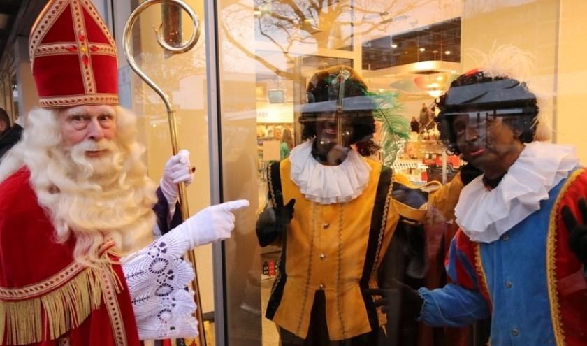 Sinterklaas in het winkelcentrum.
