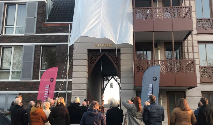 Het nieuwbouw huurappartementencomplex van Woonlinie aan de Gisbert Schairtweg in Zaltbommel, heeft een nieuwe naam gekregen: Bij Gisbert.