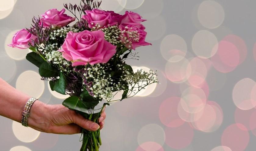 Respect geven en ontvangen in de Week van Respect. Het kan al met een bloemetje. Foto: Pixabay