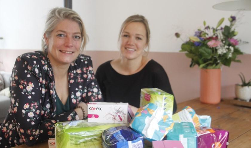 Iris ( links) en Ilse zijn overstelpt met heel veel reacties na aanleiding van hun spontane actie Bloedserieus Twente
