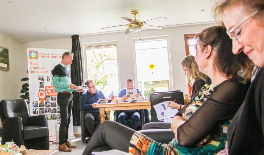 Huiseigenaar Peter Vermaas geeft uitleg over de duurzame stappen die hij door de jaren heen zette in zijn woning.