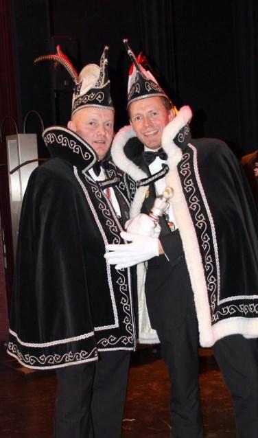 Prins Alex d'n Urste en adjudant Harold zijn er helemaal klaar voor.