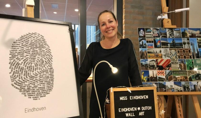 Miriam Beurskens geeft met haar Eindhovense vingerafdruk iets bijzonders mee aan stadsbezoekers. (Foto: Martina Roovers)
