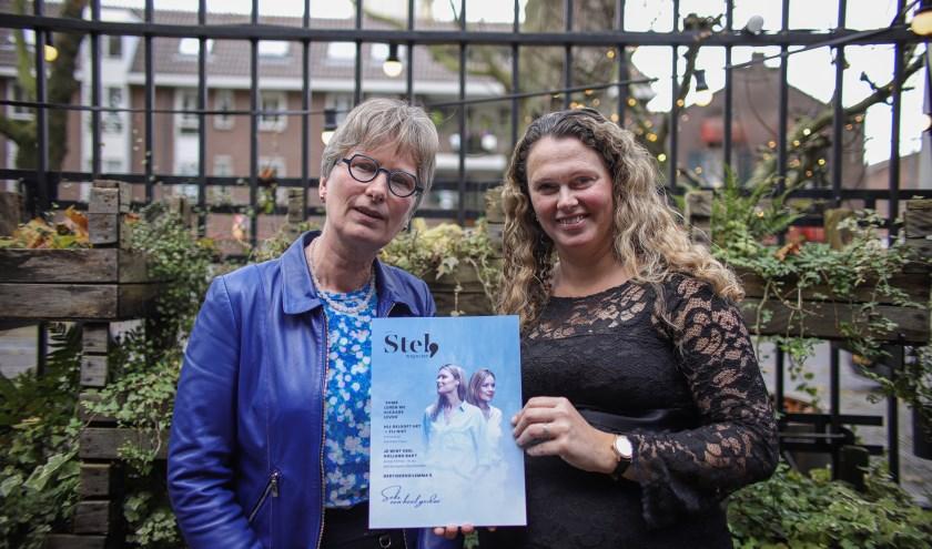 Marja Verhoeve (re) is hoofdredacteur van een nieuw magazine voor dertigers en veertigers. Geertje Bikker uit Oudewater is ook redactielid.