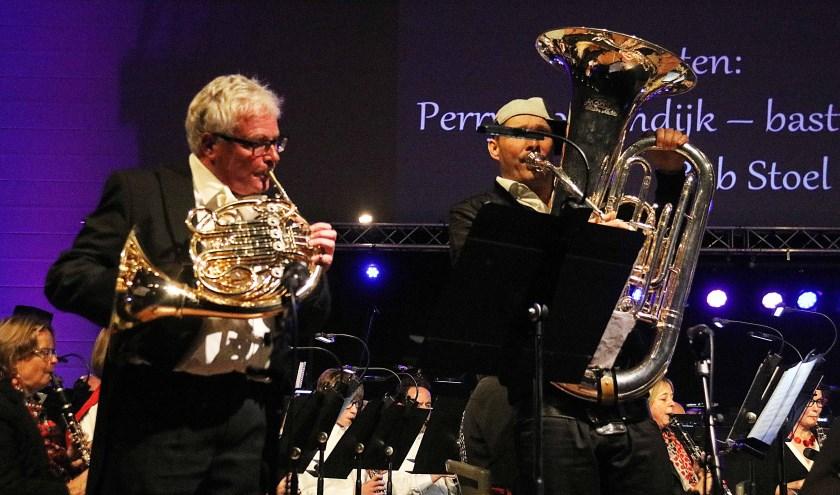 Maarnse BN'ers Bob Stoel (hoorn) en - de ook buiten de landsgrenzen bekende - Perry Hoogendijk (bastuba).
